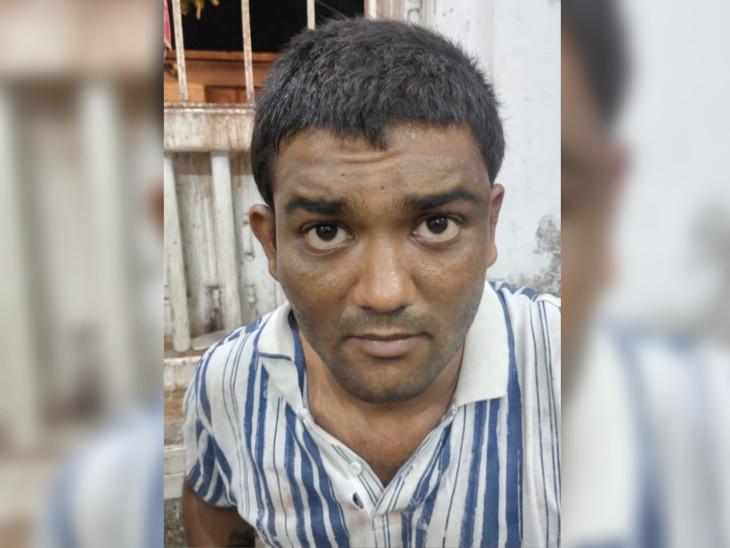યુનિવર્સિટી પાસે પોલીસ સહિત 6ને છરી મારી આંતક ફેલાવતાં યુવકની ધરપકડ|અમદાવાદ,Ahmedabad - Divya Bhaskar