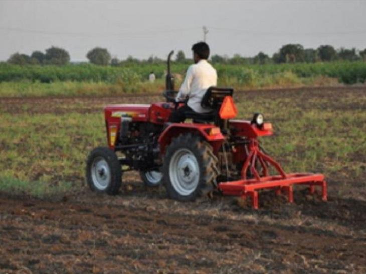 રાજ્યમાં આ વર્ષે ચોમાસાની અત્યારસુધીની સીઝનનો કુલ 4.80 ઇંચ વરસાદ નોંધાયો, ખેડૂતોમાં પાક નિષ્ફળ જવાનો ભય અમદાવાદ,Ahmedabad - Divya Bhaskar