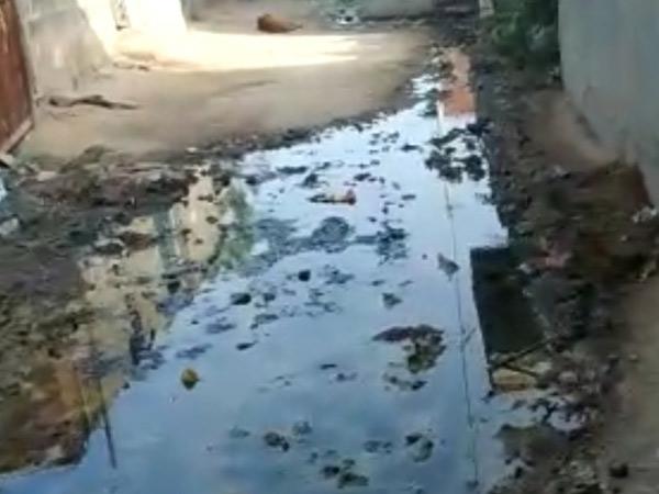 ગટરનાં ઉભરાતાં પાણી મુદ્દે TDOને લેખિત આપ્યું છતાં ઉકેલ આવ્યો નહીં|વિરમગામ,Viramgam - Divya Bhaskar