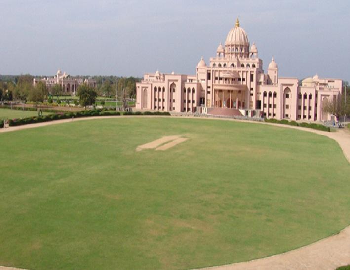 SGVP ગુરુકુળ દર્શનમ્ સંસ્કૃત મહાવિદ્યાલયના SSCમાં ઉત્કૃષ્ટ પરિણામ લાવનાર ઋષિકુમારોને શા. માધવપ્રિયદાસજી સ્વામીએ અભિનંદન પાઠવ્યા અમદાવાદ,Ahmedabad - Divya Bhaskar