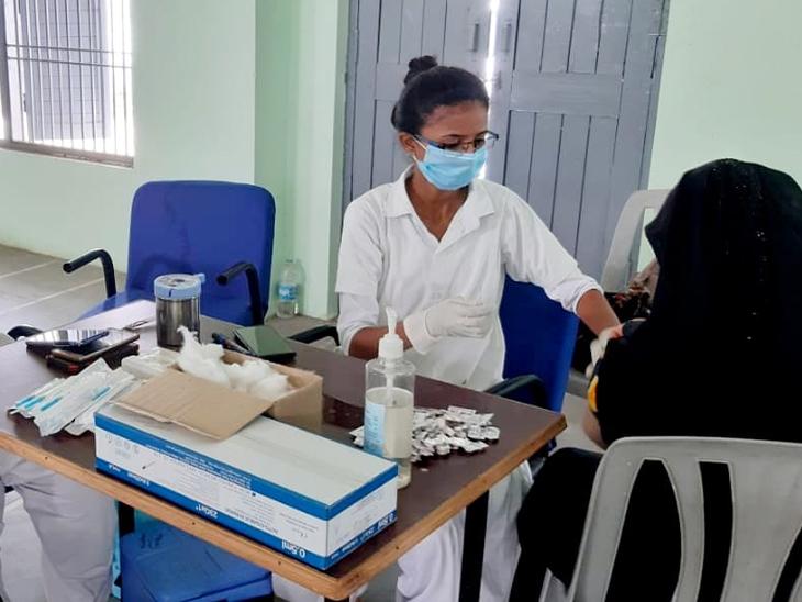 અરવલ્લી જિલ્લામાં 18 વર્ષથી ઉપરના તેમજ સિનિયર સિટીઝનોને વેક્સિન આપવા આરોગ્ય વિભાગ દ્વારા કવાયત હાથ ધરાઇ છે - Divya Bhaskar