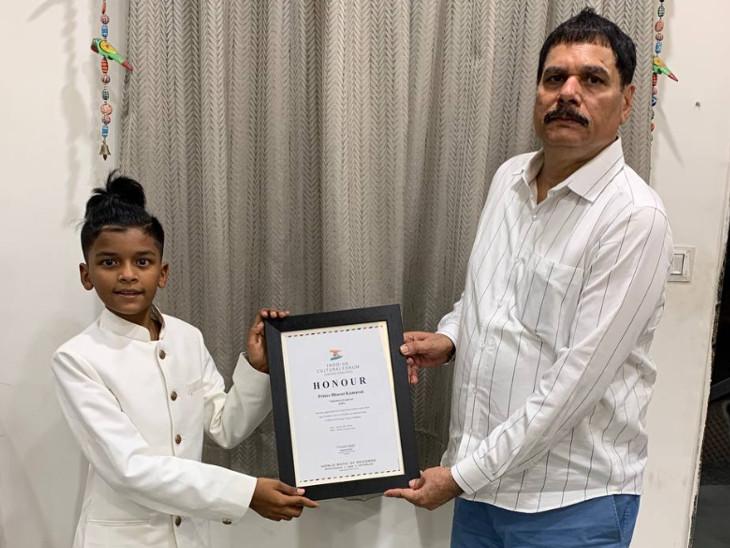 પિતા ભરત કુમાવતે મને સિંગિગ અને એક્ટિંગ કરવા માટે પ્રોત્સાહન આપ્યું - Divya Bhaskar