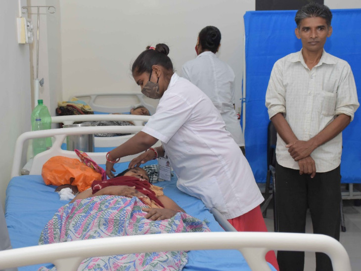 કેર સેન્ટરમાં દર્દીઓને આનુષંગિક સેવાઓ કરાર હેઠળ દીપક ફાઉન્ડેશન દ્વારા પૂરી પાડવામાં આવી રહી છે