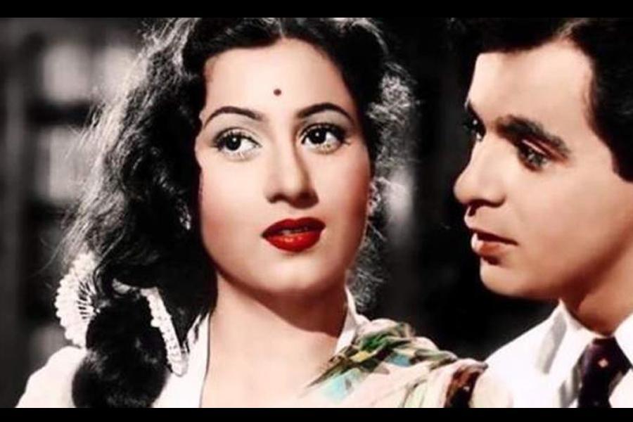 દિલીપ કુમાર અને મધુબાલા એકબીજાના ગળા ડૂબ પ્રેમમાં હતા, આવી હતી તેમની અધૂરી પ્રેમ કહાની|બોલિવૂડ,Bollywood - Divya Bhaskar