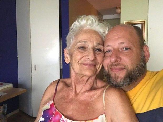 85 વર્ષીય દાદીનું 39 વર્ષીય બોયફ્રેન્ડ સાથે બ્રેકઅપ થઈ ગયું, હાલ ડેટિંગ એપ પર બીજો બોયફ્રેન્ડ શોધી રહ્યા છે|લાઇફસ્ટાઇલ,Lifestyle - Divya Bhaskar