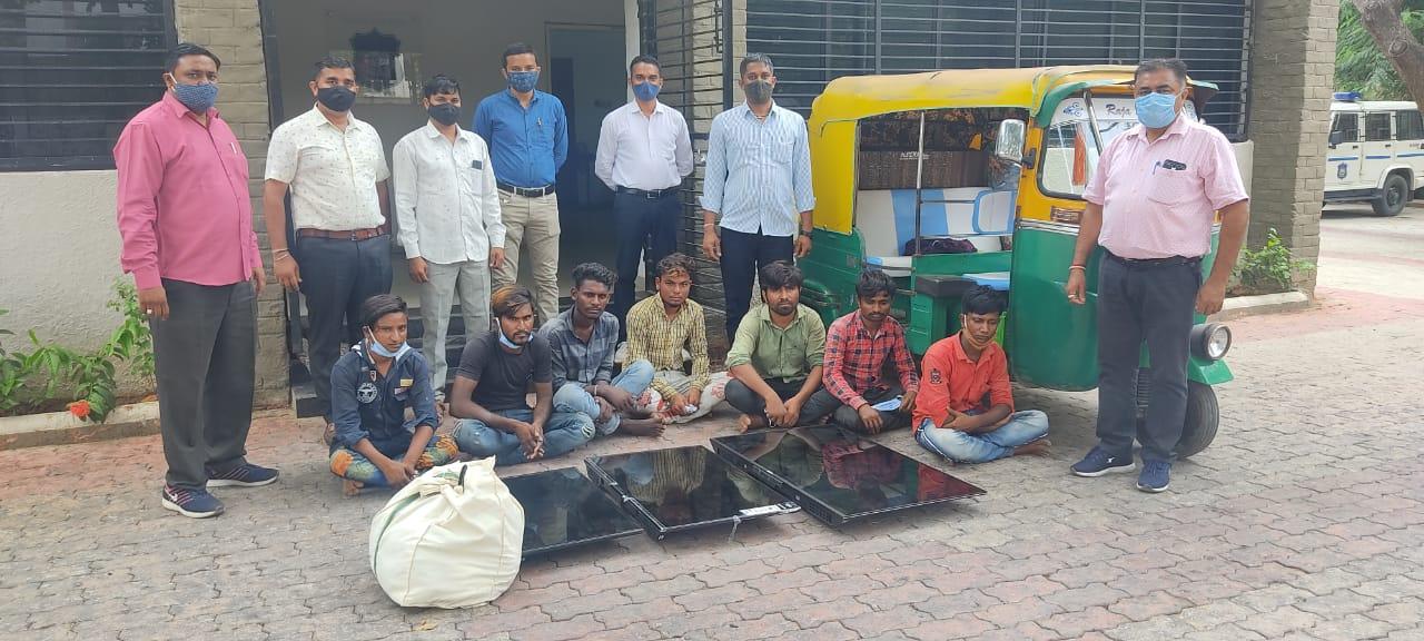 કલોલના ધારાસભ્ય બળદેવજી ઠાકોરના બંગલામાં ચોરી કરનારી મહેસાણાની ગેંગ ઝડપાઈ ગાંધીનગર,Gandhinagar - Divya Bhaskar