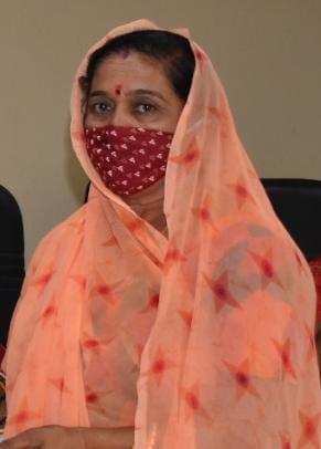મોરબી મહિલા દૂધ સંઘ દ્વારા પશુપાલકોને રૂપિયા ૧૭.૩ કરોડનો ભાવ ફેર ચૂકવવામા આવશે - Divya Bhaskar