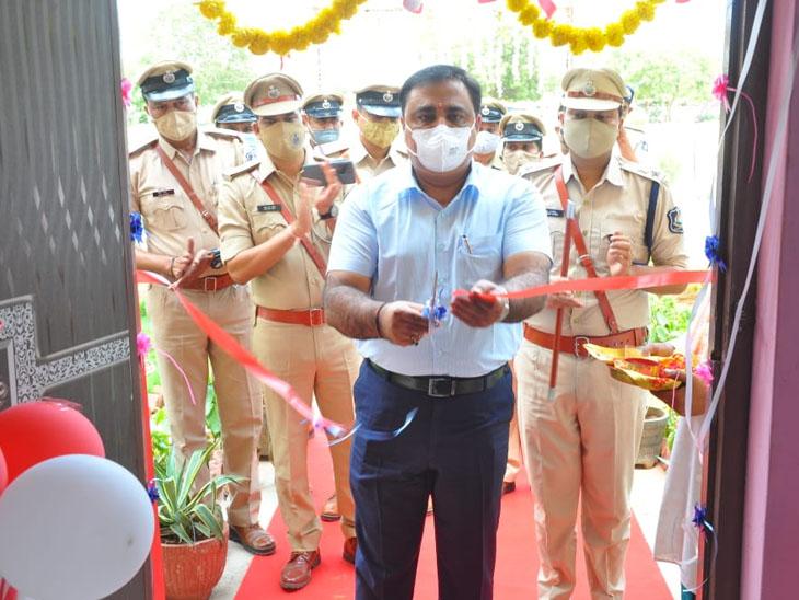 ધ્રાંગધ્રા પોલીસ સ્ટેશન ખાતે નવા જીમનું ઉદ્દઘાટન કરવામાં આવ્યું. - Divya Bhaskar