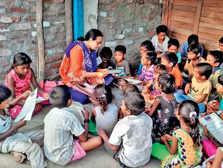 સુરતના બીના રાવ હળપતિ સમાજના બાળકોને વિનામૂલ્યે ભણાવે છે. - Divya Bhaskar