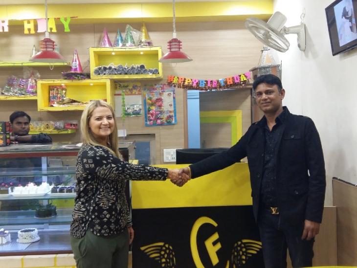 અત્યારે સુનીલ પાસે 30થી વધુ ફ્લેવરની કેક છે. તેઓ ઓફલાઈન અને ઓનલાઈન બંને મોડમાં માર્કેટિંગ કરી રહ્યા છે.