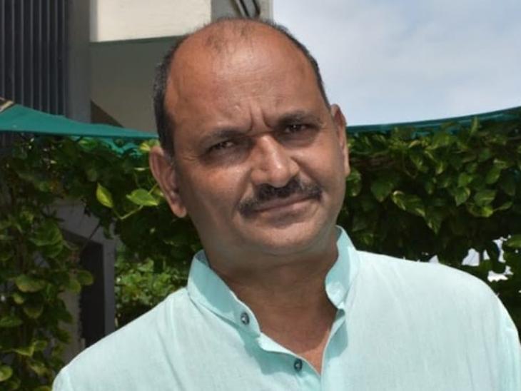 અજયકુમાર શુકલા - Divya Bhaskar