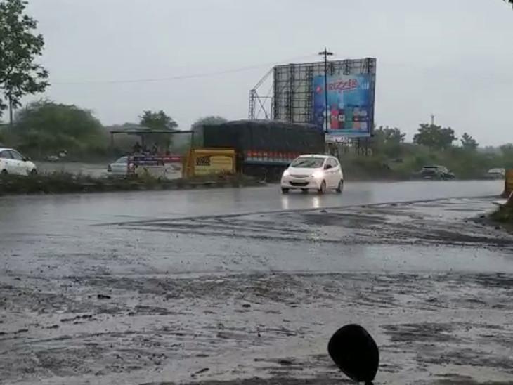 જેતપુર-ગોંડલ પંથકમાં ગાજવીજ સાથે વરસાદ.