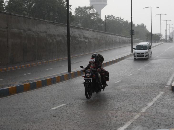 દરિયાકાંઠે સર્જાયેલી લૉ પ્રેશર સિસ્ટમને કારણે અમદાવાદ સહિત સૌરાષ્ટ્રમાં આજથી બે દિવસ ભારે વરસાદ થવાની શક્યતા|અમદાવાદ,Ahmedabad - Divya Bhaskar