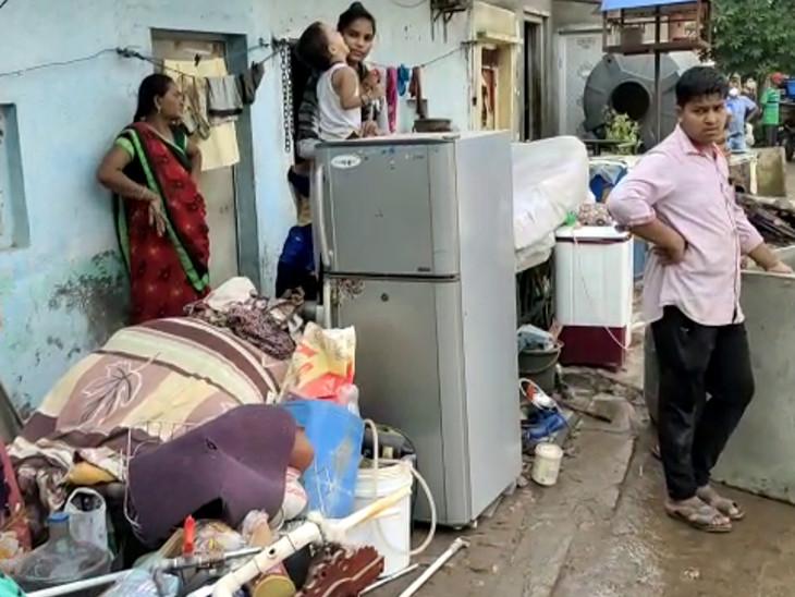 રાજકોટના ખોડિયારનગરમાં 80 મકાનના ડિમોલિશનમાં અસરગ્રસ્તોને વૈકલ્પિક આવાસ ફાળવવા કોંગ્રેસની મનપા કમિશનરને રજુઆત|રાજકોટ,Rajkot - Divya Bhaskar