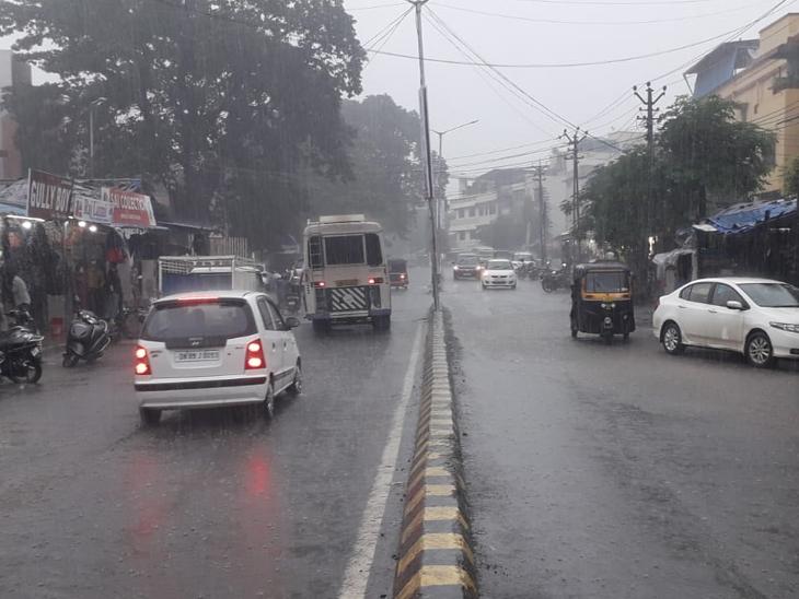 ગત વર્ષની તુલનાએ અત્યાર સુધીનો સીઝનનો કુલ વરસાદ 2.76 ઈંચ ઓછો|વલસાડ,Valsad - Divya Bhaskar