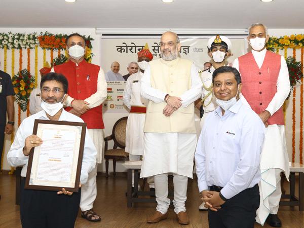 રાજ્યપાલની ઉપસ્થિતિમાં રાજભવન દ્વારા1 લાખ ફ્રન્ટલાઈન કોરોના વોરિર્યસ માટે સેવાયજ્ઞ|ગાંધીનગર,Gandhinagar - Divya Bhaskar