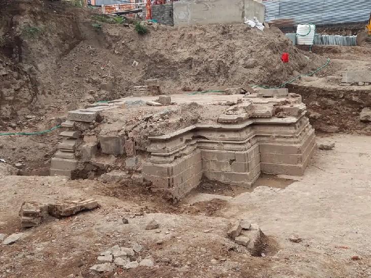 ઉજ્જૈનના મહાકાલ મંદિરમાં ખોદકામ દરમિયાન 11મી સદીના અવશેષો મળી આવ્યા. - Divya Bhaskar