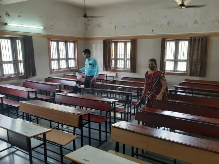 સુરતમાં આવતીકાલથી ધો.12ની સ્કૂલ ખૂલશે, 80 ટકા જેટલા વાલીઓની સંમતિ, વર્ગ ખંડો સેનિટાઈઝ કરાયા સુરત,Surat - Divya Bhaskar