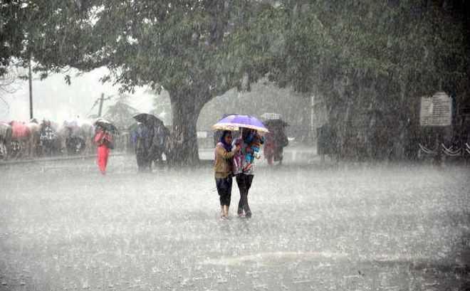 હવામાન વિભાગની આગાહી છે કે દિલ્હીમાં વરસાદ પડી શકે છે.