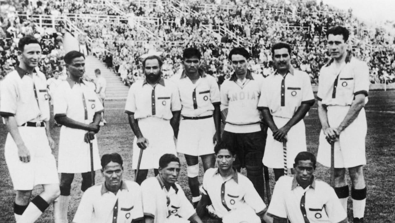 વર્ષ 1936માં ઓલિમ્પિકમાં ગોલ્ડ મેડલ મેળવનારી ભારતીય હોકી ટીમ