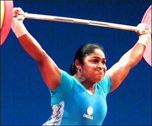 ભારતે ઓલિમ્પિકમાં વર્ષ 1900માં ભાગ લેવાની શરૂઆત કરી ત્યારબાદ 100 વર્ષે 2000માં પ્રથમ વખત મહિલાને મેડલ મળ્યો.કર્ણમ મલ્લેશ્વરીએ વેઈટલિફ્ટીંગમાં બ્રોન્ઝ મેડલ મેળવ્યો હતો
