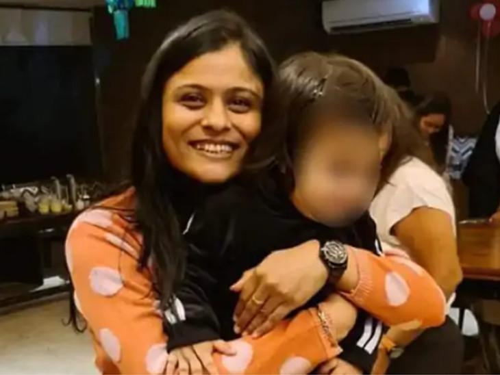 પોલીસે હાડકાં અને સ્વિટી પટેલના 2 વર્ષના બાળકનાં સેમ્પલો લઇને ડીએનએ ટેસ્ટએફએસએલમાં મોકલ્યા છે