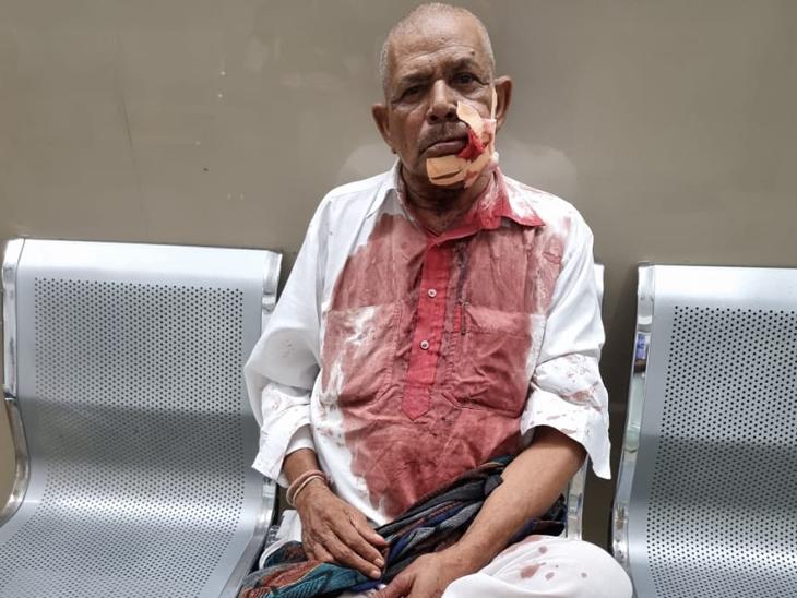 મહિન્દ્રા કંપનીમાં કોન્ટ્રાક્ટ બાબતે થયેલ ઝઘડામાં ઘવાયેલાને સારવાર અર્થે બાવળાલઇ જવાયા હતા. - Divya Bhaskar