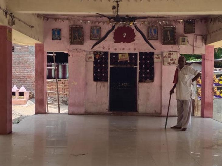 3 મંદિરનાં તાળા તોડી 1 કિલો ચાંદી ચોરી કરી તસ્કરો ભાગી ગયા બાવળા,Bavla - Divya Bhaskar