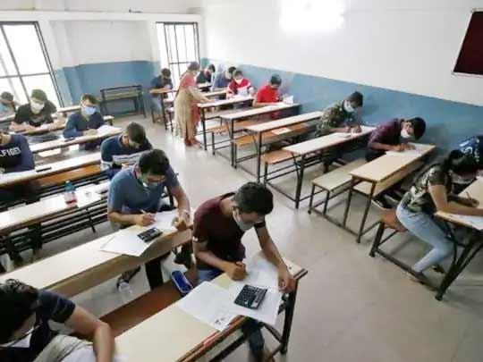 ધોરણ 10માં માસ પ્રમોશન બાદ વિદ્યાર્થીઓએ ડિપ્લોમા એન્જિનિયરિંગમાં જવાનું ટાળ્યું, કુલ બેઠક સામે અડધાથી ઓછું રજિસ્ટ્રેશન|અમદાવાદ,Ahmedabad - Divya Bhaskar
