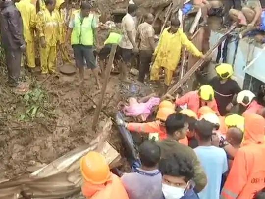 રવિવારે મુંબઈમાં ભારે વરસાદને કારણે અલગ-અલગ દુર્ઘટનામાં 30 લોકો મૃત્યુ પામ્યા હતા. એમાંથી 17 લોકોનાં મોત ચેમ્બૂરમાં ભૂસ્ખલનમાં થયાં હતાં.