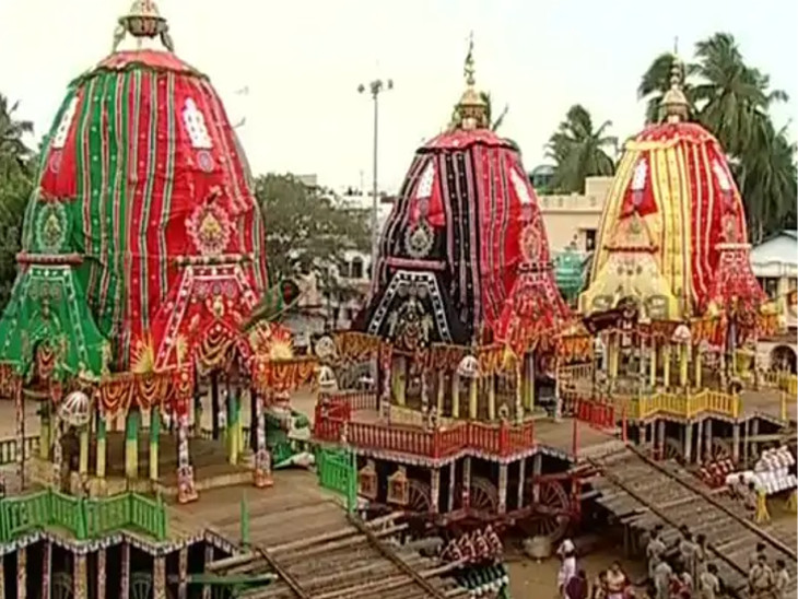 જગન્નાથ સ્વામી નિરાશ લક્ષ્મીજીને મનાવે છે, બાહુડા યાત્રા કરી ભગવાન મંદિરમાં ફરી બિરાજે છે ધર્મ,Dharm - Divya Bhaskar
