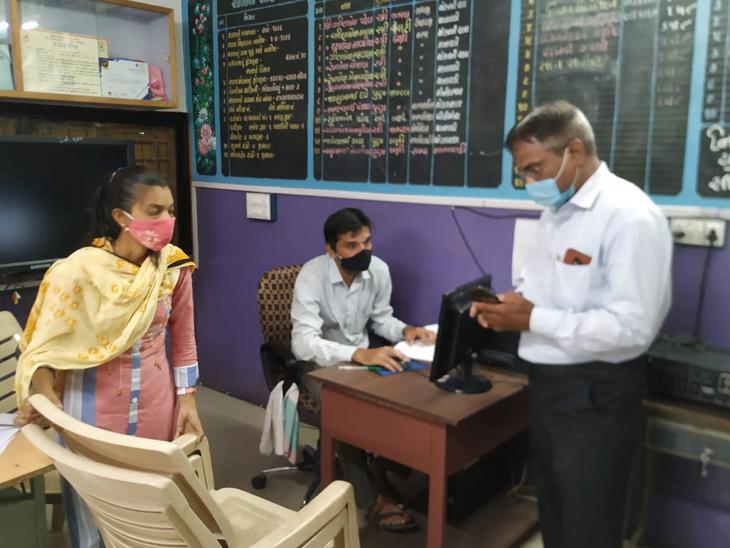 ગજેરા સ્કૂલ, તપોવન સહિતની 23 સ્કૂલોમાં મચ્છરનાં બ્રીડિંગ મળ્યાં|સુરત,Surat - Divya Bhaskar