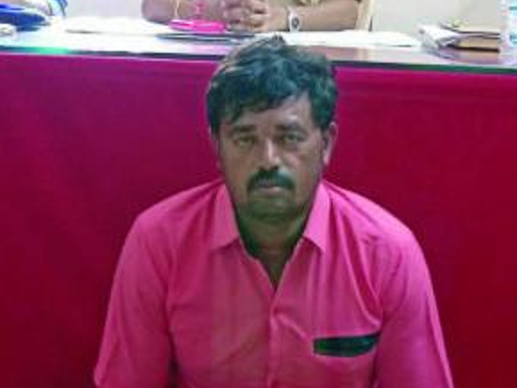રાજકોટમાં 15 વર્ષની સગીરાને પ્રેમજાળમાં ફસાવી પાડોશી શખ્સે દુષ્કર્મ આચર્યું, આરોપીની ધરપકડ રાજકોટ,Rajkot - Divya Bhaskar