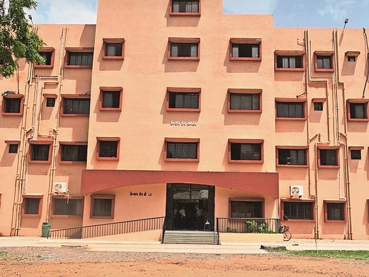સાત વર્ષથી તૈયાર કેન્સર હોસ્પિટલના બિલ્ડીંગનું આજે CMના હસ્તે લોકાર્પણ ભાવનગર,Bhavnagar - Divya Bhaskar