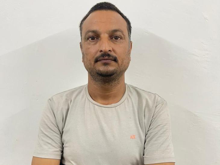 રાજકોટમાં બસની બોગસ RC બૂકના આધારે 4.6 કરોડની લોન ઉપાડી બેંક-ફાયનાન્સ સાથે છેતરપિંડી, મુખ્ય આરોપીની સુરતથી ધરપકડ|રાજકોટ,Rajkot - Divya Bhaskar