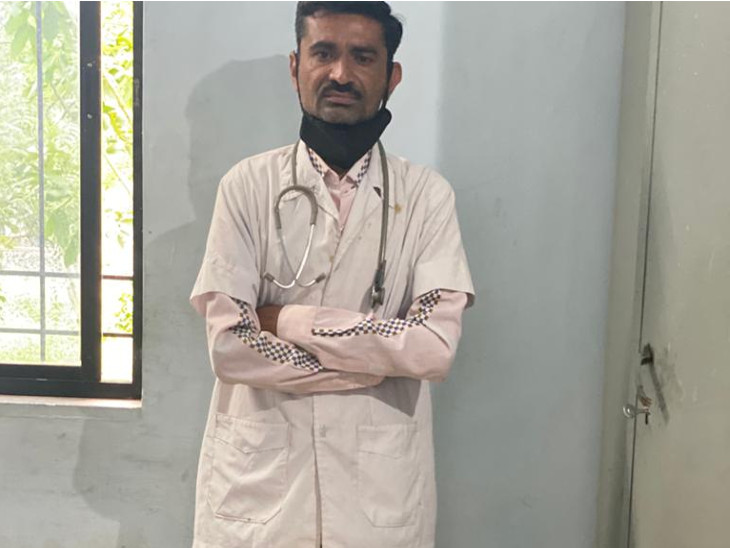 રાજકોટમાં 5 વર્ષ હોસ્પિટલમાં કમ્પાઉન્ડ તરીકે નોકરી કરતા શખસે ક્લિનિક ખોલ્યું, લોકોના આરોગ્ય સાથે ચેડા કરતો, ધરપકડ રાજકોટ,Rajkot - Divya Bhaskar