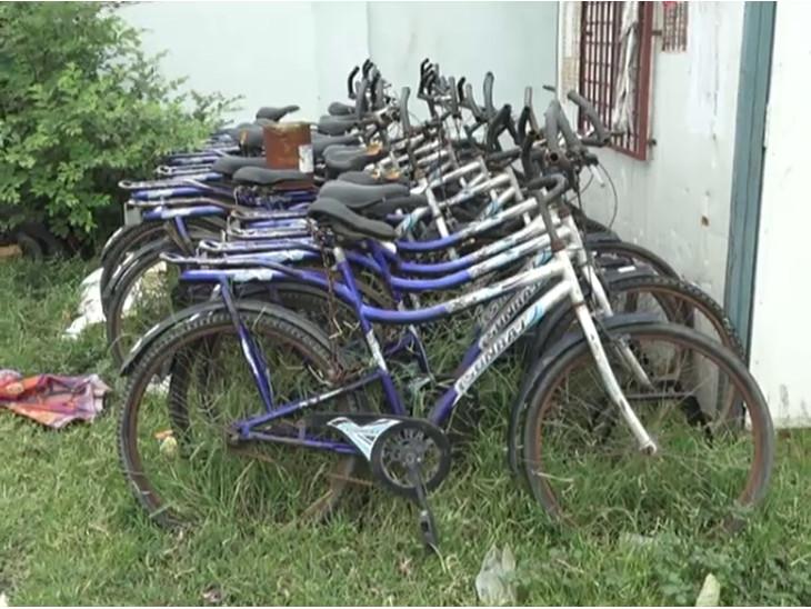 પ્રોજેક્ટ હેઠળ 180 સાયકલ ખરીદવામાં આવી હતી.