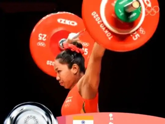 મીરાબાઈ ચાનૂએ પોતાના બીજા ઓલિમ્પિકમાં સિલ્વર મેડલ જીત્યો. - Divya Bhaskar