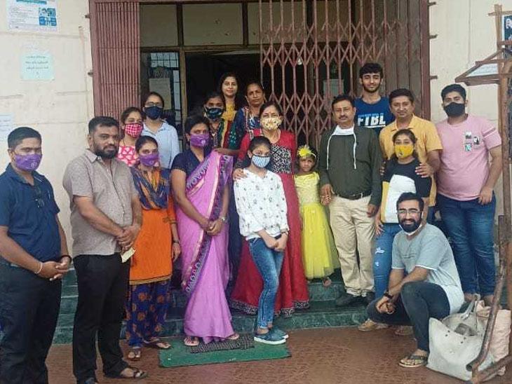 ચીખલીની દત્તક સંસ્થા ખાતે બાળકીને દંપતિએ દત્તક લીધી|નવસારી,Navsari - Divya Bhaskar