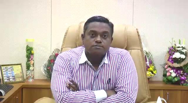 રાજકોટમાં ગ્રીનફીલ્ડ એરપોર્ટ અંગે કલેકટરે કહ્યું - એરપોર્ટનાં રન-વેનું 46% કામ પૂર્ણ, ઓગષ્ટ-2022માં ટેસ્ટિંગ ફ્લાઇટ શરૂ કરાશે|રાજકોટ,Rajkot - Divya Bhaskar