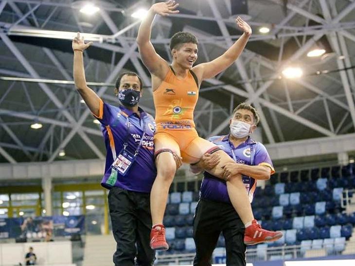 પ્રિયા મલિકે 73 કિલો વેઇટ કેટેગરીમાં ગોલ્ડ જીત્યો છે. - Divya Bhaskar