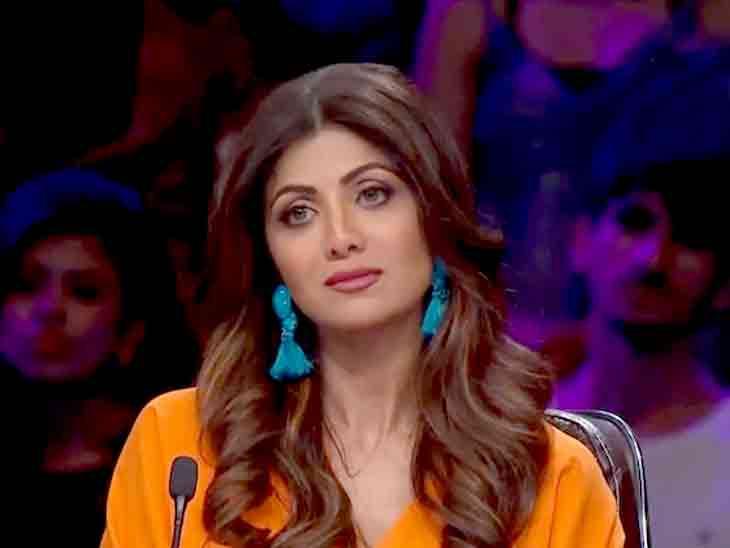 ક્રાઇમ બ્રાંચ સામે ધ્રુસકે ધ્રુસકે રડનાર શિલ્પાના ફોનનું હવે ક્લોનિંગ કરવામાં આવશે, બીજીવાર પૂછપરછ માટે સમન્સ પાઠવવાની શક્યતા બોલિવૂડ,Bollywood - Divya Bhaskar