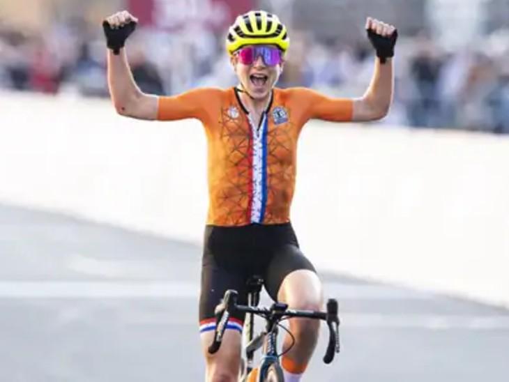 નેધરલેન્ડની સાઇક્લિસ્ટે ભૂલથી ઉજવણી પણ કરી દીધી, 1.15 મિનિટ પહેલા જ ઑસ્ટ્રિયાની એથ્લીટ જીતી ચૂકી હતી રેસ ટોક્યો ઓલિમ્પિક,Tokyo Olympics - Divya Bhaskar