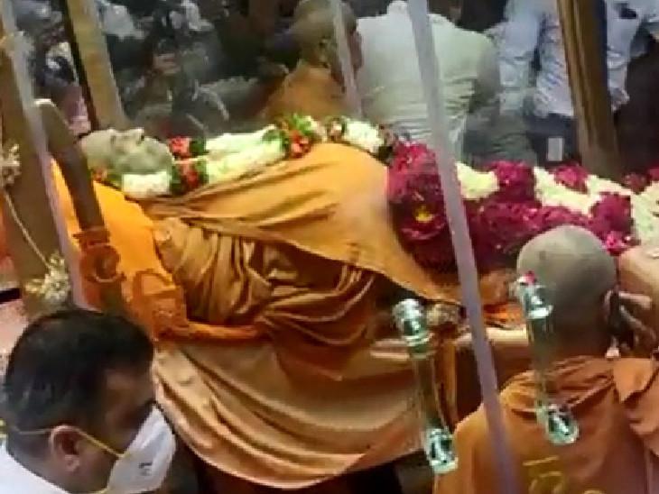 આવતીકાલથી હરિપ્રસાદ સ્વામીના નશ્વરદેહને અંતિમ દર્શન માટે મૂકવામાં આવશે