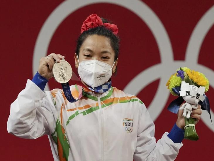 મીરાબાઈ ચાનુએ વેઈટલિફ્ટિંગમાં સિલ્વર મેડલ પોતાના નામે કર્યો; બોક્સિંગ, કુશ્તી અને હોકીમાં મેડલની આશા ટોક્યો ઓલિમ્પિક,Tokyo Olympics - Divya Bhaskar
