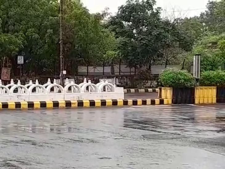 રાજકોટમાં બે દિવસના વિરામ બાદ વહેલી સવારથી ધીમીધારે વરસાદ, વાતાવરણમાં ઠંડક પ્રસરી રાજકોટ,Rajkot - Divya Bhaskar