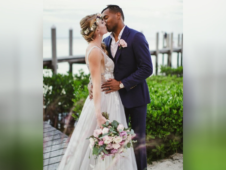 અમેરિકાની વીમેન્સ ટ્રેક એન્ડ ફિલ્ડ ખેલાડી સેન્ડી મોરિસ અને બરમુડામાં લોંગ જમ્પ એથ્લીટ ટાઈરોન સ્મિથે 2019માં લગ્ન કર્યા, આ વર્ષે બંને સાથે ટોક્યોમાં છે.