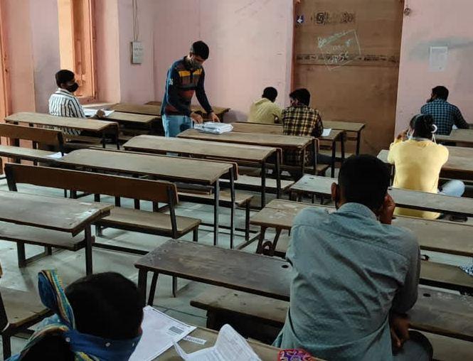 રાજ્યની માધ્યમિક અને ઉચ્ચતર માધ્યમિક સ્કૂલોના સમયમાં ફેરફાર, હવે બપોરની પાળીમાં પણ સ્કૂલો શરૂ થઈ શકશે|અમદાવાદ,Ahmedabad - Divya Bhaskar