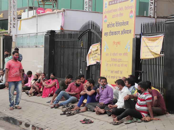 સુરતમાં વેપારીઓ માટે વેક્સિનનો આજે છેલ્લો દિવસ, રસીથી વંચિત દોઢ લાખથી વધુ વેપારીઓમાં રોષ|સુરત,Surat - Divya Bhaskar