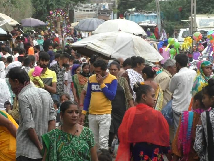 જેતપુરની શનિવારીમાં ભીડ ભાન ભૂલી, ડિસ્ટન્સ-માસ્કની ઐસી તૈસી જેતપુર,Jetpur - Divya Bhaskar